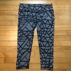Vimmia Abstract Geometric Print Cropped Leggings